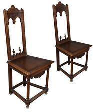 Paire de chaise en noyer de style de Gothique à restaurer