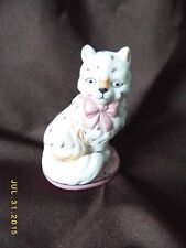 FRANKLIN MINT CURIO CABINET CATS COLLECTION PORCELAIN STAFFORDSHIRE CAT