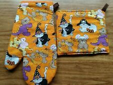 Halloween Cats Kittens Costumes Witches Pirates Oven Mitt/Pot Holder Set