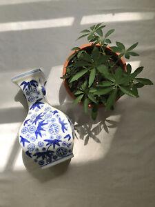 vintage asian white vase w/ blue floral bamboo pattern bottle shape ceramic