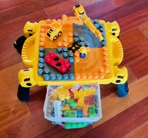 Mega Bloks First Builders CAT (Caterpillar) Zoomin Construction Zone Table