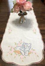 Vtg Embroidered Cat & Floral Dresser Scarf Runner w/ Crochet Lace Trim (RF992-1)