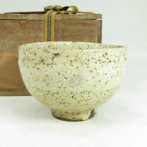 A056: Real old Japanese HAGI pottery ware tea bowl with wonderful KOBIKI glaze