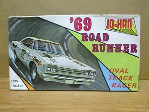 '69 ROAD RUNNER MODEL KIT, JO-HAN GC-2200, Unbuilt, Stock, Custom or Stock Car