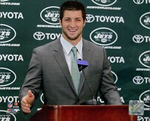 Tim Tebow New York Jets NFL Licensed Unsigned Glossy 8x10 Photo C