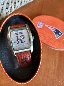 TOM BRADY   RARE  GAME TIME WATCH WITH LEATHER BAND AND ORIGINAL CASE