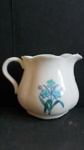 CRESTED CHINA GOSS MILK JUG - FOR GET ME NOT