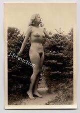 #563 RÖSSLER AKTFOTO / NUDE WOMAN STUDY * Vintage 1950s Outdoors Photo - no PC !