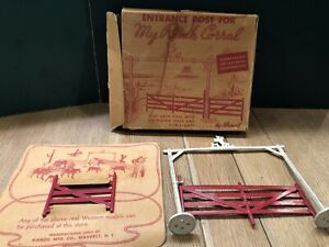 Manoil: Rare Boxed Set C2 Entrance For My Ranch Corral.