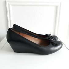 CLARKS Black Leather Court Wedge Bow Work Shoes Heels Sz 7 / 41