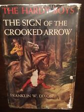 The Sign of the Crooked Arrow Franklin W. Dixon The Hardy Boys 1952A-6 HC DJ