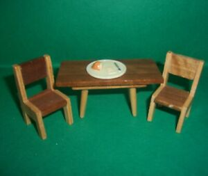 VINTAGE 1970's LUNDBY BARTON DOLLS HOUSE TABLE & CHAIRS + BREADBOARD