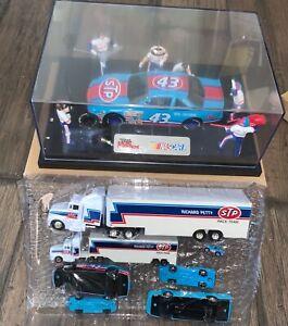 1992 RACING CHAMPIONS PETTY STP #43 1/25 PIT CREW DIORAMA RACING TEAM +7 CAR SET