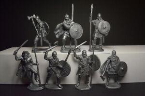 Set of Soldiers Vikings plastic 1/32 7 figures 54 mm