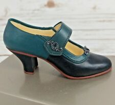 Just The Right Shoe Raine Suffragette 00004000  #25041 1999 *Mint* With Box