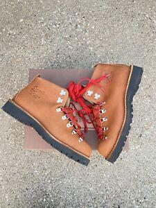 Danner Mountain Light Cascade Boots Men's Size 9 EE Wide Clovis Brown 31528