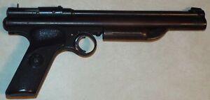 VINTAGE 22 CAL CROSMAN MODEL 130 PISTOL PUMP PELLET GUN FAIRPORT NY USA ****NR