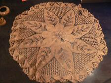 ancien grand napperon rond en fil de coton fait a la main dentelle beige