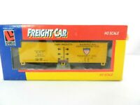 "Box Car ""American Refrigerator Transit Co."" Freight Train Car ART 247 HO Scale"