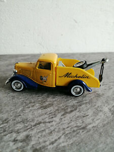 miniature Solido dépaneuse Ford V8 n°144 dans la collection Michelin état neuf