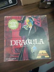Vintage 1972 Aurora Dracula Model Kit Glows in Dark Empty Box Universal Monsters