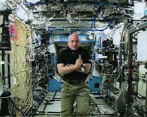 GFA Astronaut NASA Navy Captain SCOTT KELLY Signed 8x10 Photo S2 COA