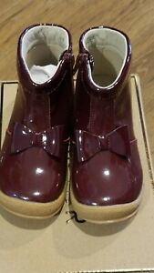 New L'amour patent burgundy short boots w/bow,side zipper,toddler 7,NIB