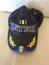 CAPPELLINO ULTRAS CALCIO INTER F.C. INTERNAZIONALE SCRITTE E SCUDETTO RICAMATI