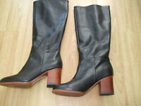 BODEN  STUNNING LOOKING BLACK HIGH HEELED  BOOTS SIZE ==SIZE 42==8.5  BNWOB
