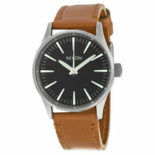 Relojes de pulsera Nixon de cuero resistente al agua