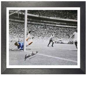"Gordon Banks Framed Signed Photo - ""Save of the Century"""