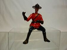 VINTAGE FIGURE ROYAL CANADIAN MOUNTED POLICE CANADA - H10.0cm  - GOOD - PLASTIC