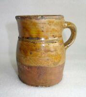 antique pichet en terre cuite vernissée
