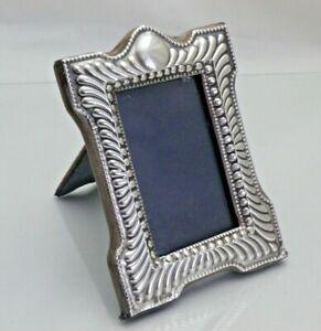 Vintage Sterling Solid Silver Photograph Frame Size 12.5 cm x 9 cm (1476/C/KSY)