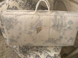 V & A Luxury 'Garden of Love' Toile De Jouy' Quilted 100% Cotton Throw King BNIP