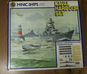 """TRIANG MINIC SHIPS 1:1250 . """" NAVAL HARBOUR SET """""""