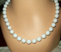 MARVELOUS MARVELLA WHITE BEAD NECKLACE LUCITE HAND TIED CLASSIC FAUX PEARLS VTG.
