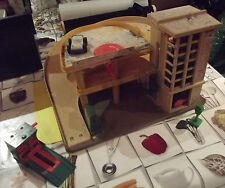 Ancien Garage, Jouet Vintage FISHER-PRICE