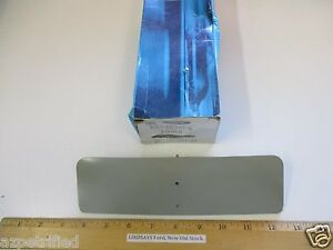 """FORD 1980/1983 LINCOLN MARK VI """"LOUVER"""" (FRONT FENDER SIDE) NOS FREE SHIPPING"""