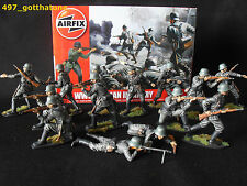 Airfix 1/32 German Infantry WW2. professionally painted. 54mm. X 14 boxed