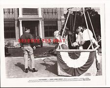 THE GREAT BANK ROBBERY - Clint Walker Kim Novak Zero Mostel - Movie Still