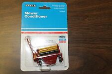 ERTL Ford New Holland Mower Conditioner Diecast Metal 1/64 Scale Year 1991