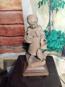 Holzfigur Magd mit Hühnern 37cm Geschnitzt