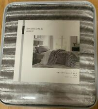 Silver Velvet Quilt Set by Emerson & Grey  Twin   Quilt and Sham  NiP