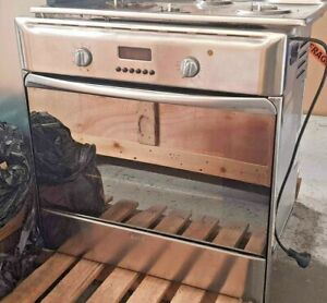 ARISTON COOK TOP & OVEN MADE IN ITALY - EXCELLENT CONDITION - STAINLESS STEEL