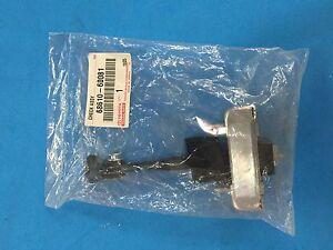 GENUINE LEXUS GX470 FRONT RIGHT DOOR CHECK ASSY 68610-60081