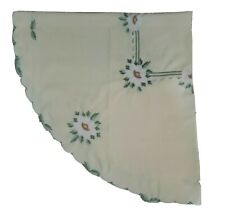 """Yellow Floral  Embroidered Scalloped Polyester 70"""" Round Tablecloth Napkin Set"""