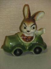 L00018_11 Goebel Porzellan Figur Hase Bunny Rabbit in Auto Cabrio Car 34-826