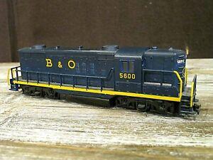 B&O GP30 5600 HO scale train engine - dummy engine