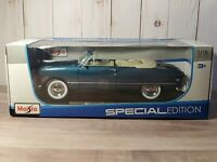 Maisto 1949 Ford Deluxe Convertible 1:18 Scale Diecast Model Car Blue